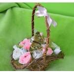 Košik s růže a bonbóny, růžové